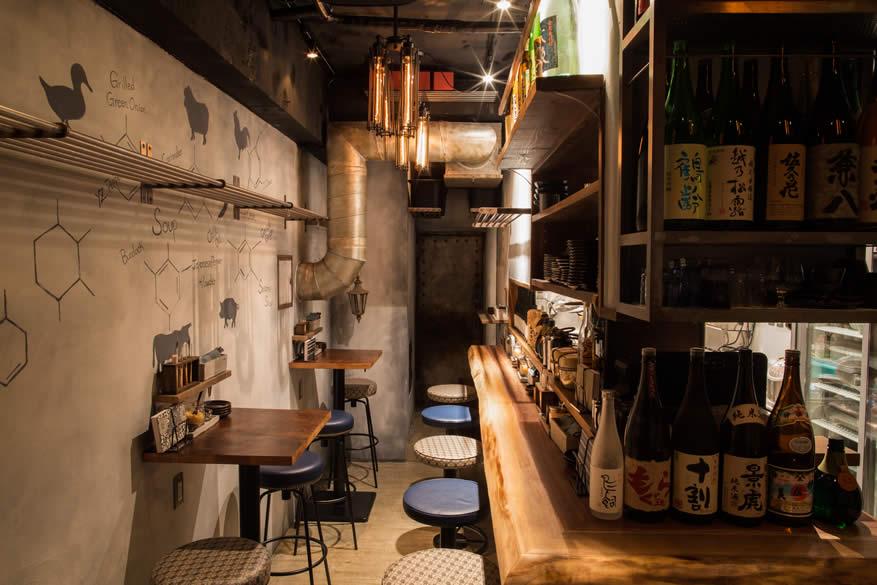 蕎麦バル1351店内